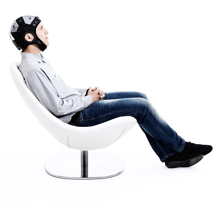 man-sitting-in-a-chair-with-eeg